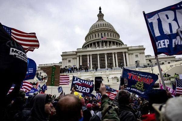 Mỹ buộc tội hơn 300 người tham gia bạo loạn ở đồi Capitol