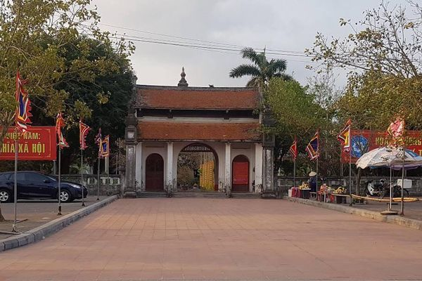 Cảnh tượng hiếm thấy tại các di tích đền, chùa ở Nam Định trong mùa lễ hội