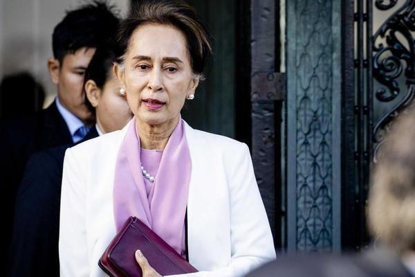 Bà Aung San Suu Kyi vẫn có 'sức khỏe tốt' khi hầu tòa