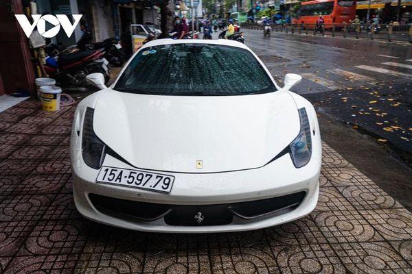 Tận mục siêu xe Ferrari 458 Spider 'hiếm có khó tìm' tại Việt Nam