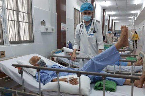 Can thiệp nội mạch trong 10 phút, cứu sống cụ ông đột quỵ nặng