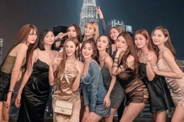 Nhóm hot girl Malaysia bị chỉ trích vì tiệc tùng bất chấp dịch