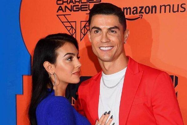 Bạn gái không cho Ronaldo tự thay bóng đèn trong nhà