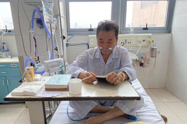 Cứu sống bệnh nhân người nước ngoài giữa 'tâm dịch'