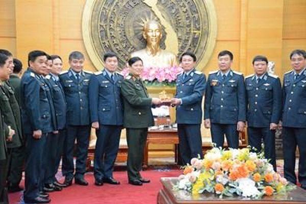 Đại tướng Ngô Xuân Lịch thăm, làm việc tại Quân chủng Phòng không-Không quân