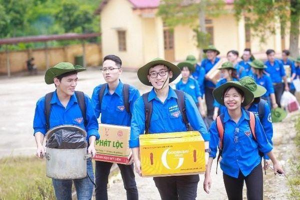 Cảm động màu áo xanh tình nguyện sống vì cộng đồng