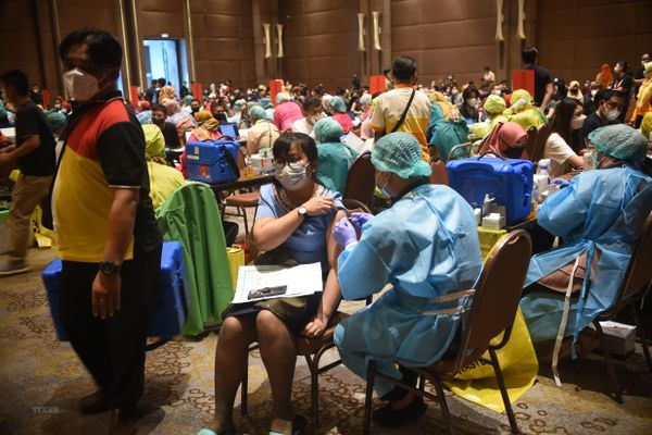 Dịch COVID-19: Indonesia quyết định tự sản xuất vắcxin giá rẻ