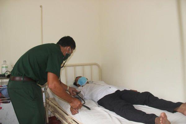 Hết lòng chăm sóc sức khỏe bà con nghèo khu vực biên giới biển