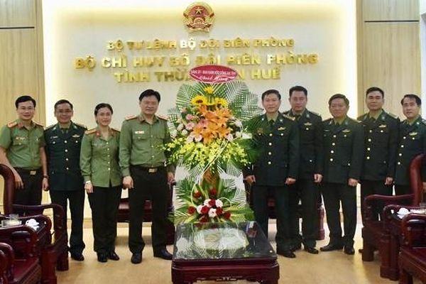Giám đốc Công an tỉnh Thừa Thiên - Huế chúc mừng Ngày truyền thống Bộ đội Biên phòng