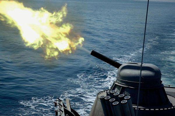 Tàu chiến Nga đã nổ súng vào máy bay do thám của NATO