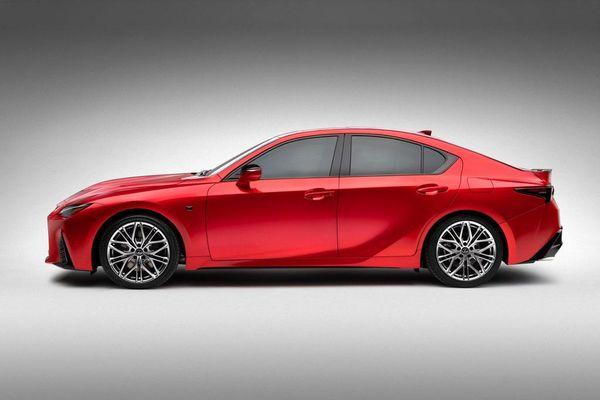 Chi tiết xe thể thao Lexus IS 500 F Sport Performance 2021: Động cơ V8, công suất 473 mã lực