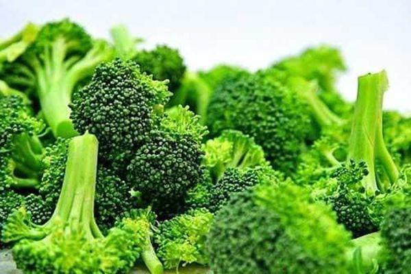 Những loại rau nào phải chần trước khi ăn để không rước bệnh vào người?