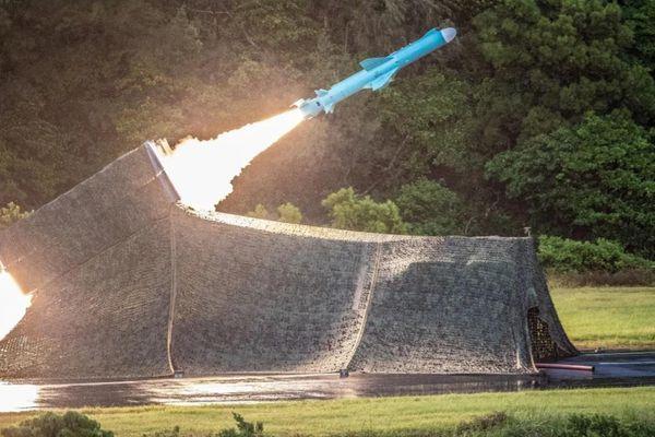 Đài Loan phóng tên lửa, tập trận rầm rộ đáp trả động thái của Trung Quốc trên Biển Đông