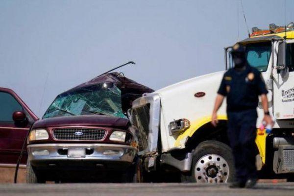 Video toàn cảnh vụ tai nạn thảm khốc khiến 13 người chết tại California, Mỹ