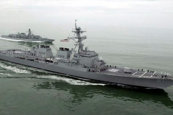 Tàu chiến Nga - Mỹ bất ngờ 'chạm mặt' ở Sudan