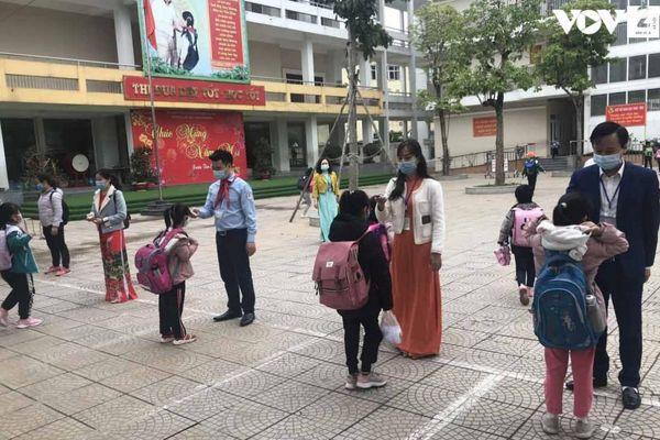 Trường Tiểu học Xuân Phương còn một học sinh phải học online