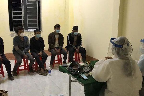 Phát hiện 5 người Trung Quốc định vượt biên sang Campuchia