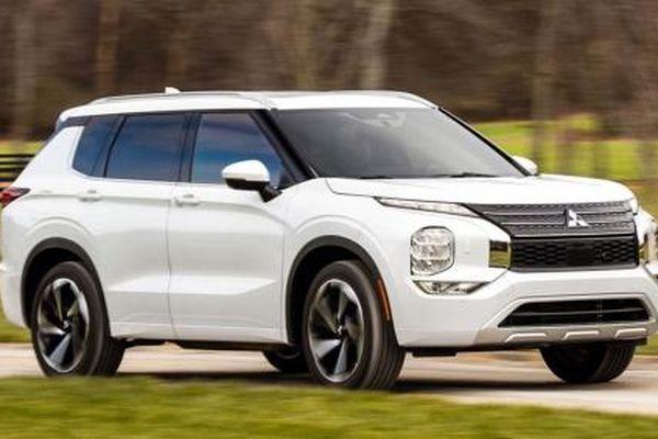 Mitsubishi Outlander tăng giá, nhận không ít chê bai phần đầu xe