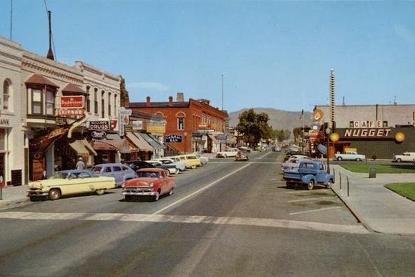 Đường phố ở nước Mỹ vô cùng náo nhiệt những năm 1960