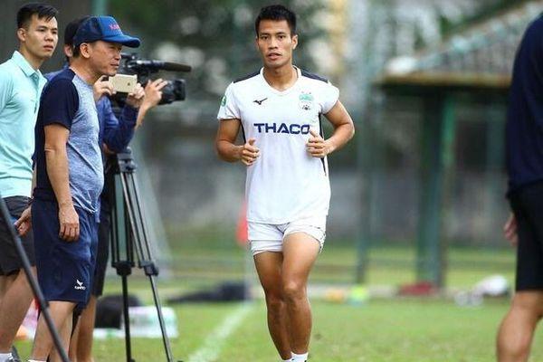 Sai sót hy hữu của CLB khiến cầu thủ Lê Văn Sơn vắng mặt hết lượt đi V.League