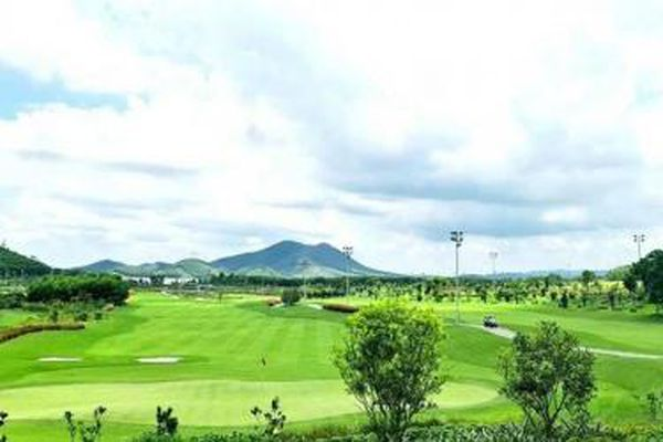 Sân golf Mường Thanh Golf Club Xuân Thành tạo sức hút cho du lịch Hà Tĩnh