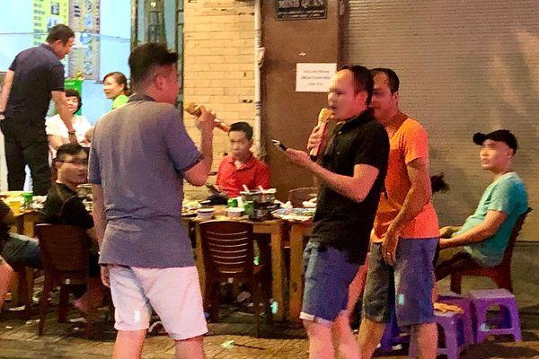 TP.HCM muốn xử phạt 'hung thần' karaoke bằng cách nào?