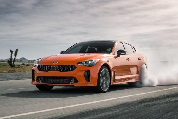 Kia Stinger 2022 được nâng sức mạnh động cơ, tăng giá bán