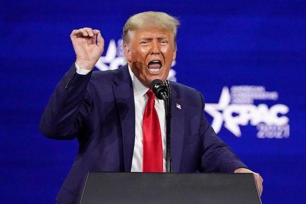 Ông Trump nổi giận với tờ Wall Street Journal