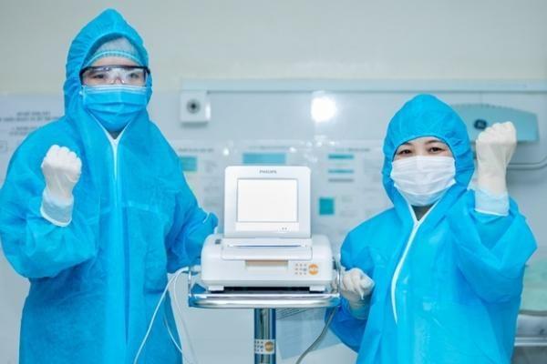 Tôn vinh những phụ nữ trên tuyến đầu chống dịch COVID-19