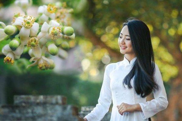 Em là hương của mùa yêu