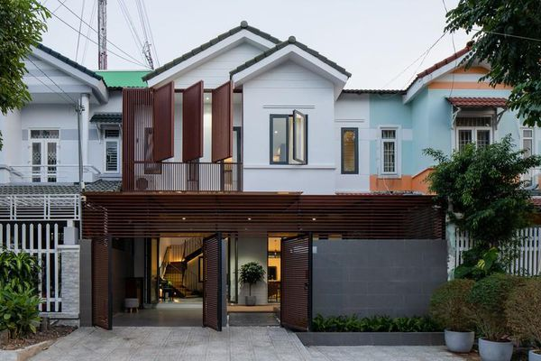 Cắt đôi không gian, nhà cũ ở Kiên Giang thoáng sáng bất ngờ