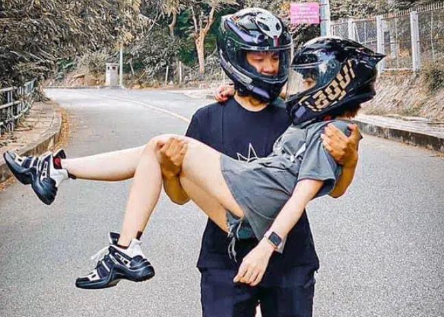 Chuyện tình đặc biệt của bà mẹ đơn thân và chàng 'phi công' kém 5 tuổi, chiều cao chênh nhau đến 30cm