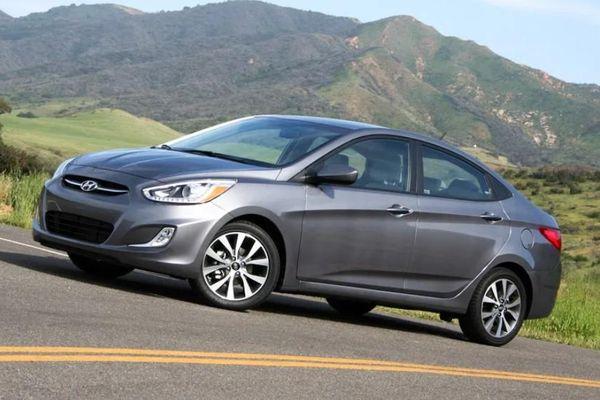 Hyundai Accent 2015 chạy 5 năm vẫn đắt khách