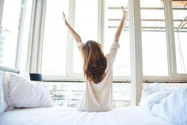 Việc nên làm ngay sau khi thức dậy giúp giảm cân, tăng cường sức khỏe