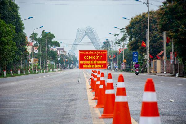 Lái xe vào Quảng Ninh phải có giấy xét nghiệm Covid-19