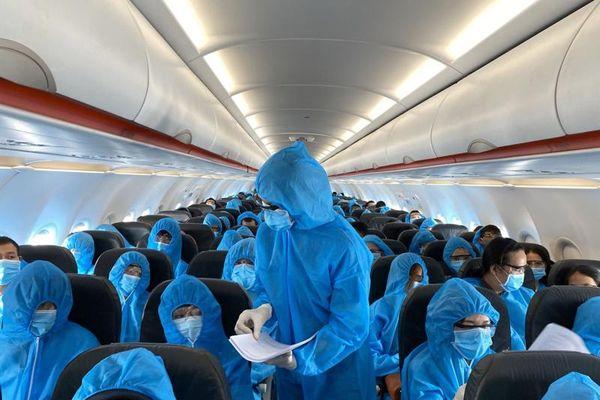 56 trường hợp đi cùng trên chuyến bay VN 1188 cho kết quả âm tính với SARS-CoV-2