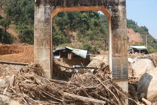 Huyện nghèo Phước Sơn ngổn ngang sau sạt lở