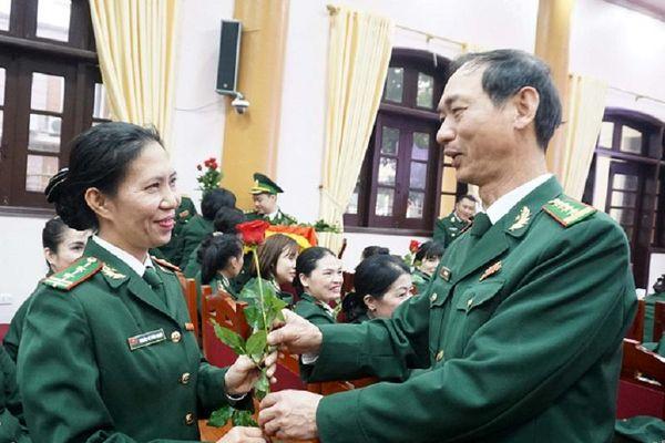 Những đứa trẻ Đan Lai đã có 'mẹ dạy học'
