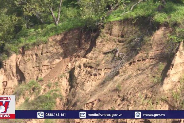 Tái diễn nạn khai thác cát trái phép trên sông Đồng Nai