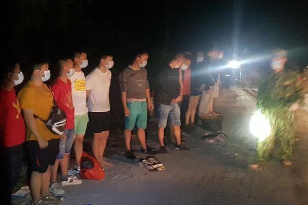 Long An bắt giữ 14 người Trung Quốc có ý định vượt biên trái phép