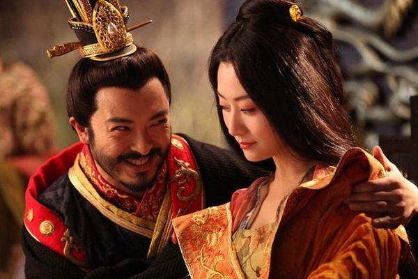 Phát hoảng hoàng đế TQ hoang dâm có sở thích 'cướp' vợ