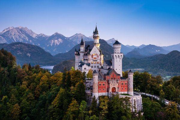 Giới tài phiệt Trung Quốc đổ xô mua lâu đài châu Âu