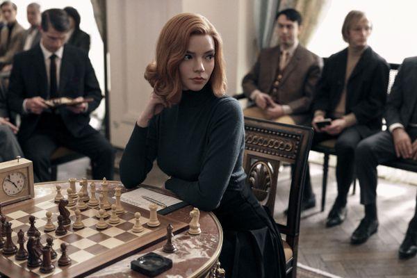 Tiểu thuyết 'The Queen's Gambit' sẽ được chuyển thể thành nhạc kịch