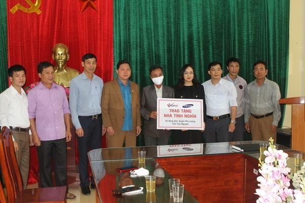 Báo VietNamNet trao 'Ngôi nhà mơ ước' ở Thái Nguyên