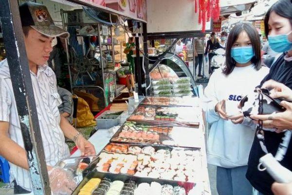 Phố ẩm thực Hồ Thị Kỷ: Địa chỉ quen thuộc của giới sành ăn Sài Gòn