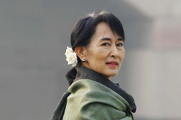 Bà Aung San Suu Kyi bị cáo buộc nhận hối lộ 600.000 USD