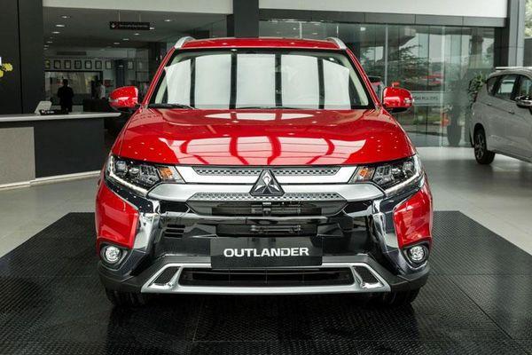 Bảng giá xe Mitsubishi tháng 3/2020: Quà tặng 'khủng', thêm lựa chọn mới