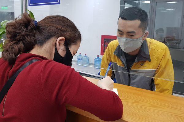 Nhận thẻ CCCD tại nhà qua bưu điện tạo sự thuận tiện, tiết kiệm thời gian cho người dân.