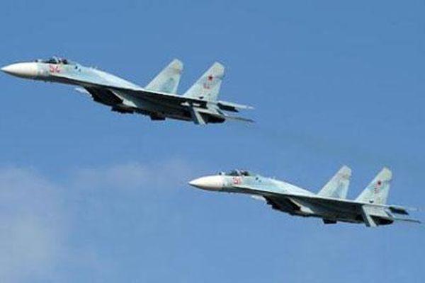 Nga dùng phiên bản mạnh nhất của Su-27 đuổi B-1B