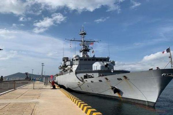 Tàu chiến Pháp cập cảng Cam Ranh, thăm Việt Nam 4 ngày